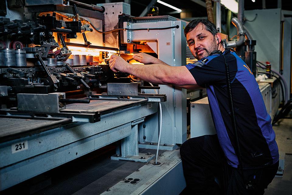medewerker houtbewerking en productie